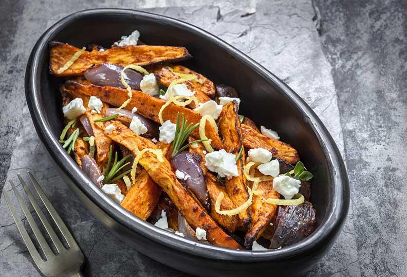 Recettes faciles sans gluten - Patates douces au four avec oignon rouge