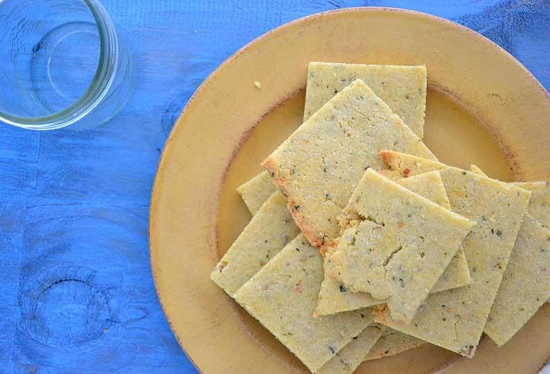 crackers à la farine d'amande et romarin
